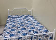 سرير نفر ونص وطراحة مع المفرش
