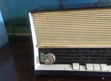 راديو سيرا هولندى..لمات قديم جدا ..بحالة جيدة شغال جميع المحطات صوت نقى..تحفة