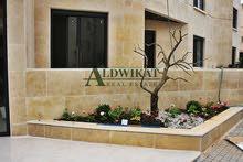 شقة ارضية للبيع في عبدون بمساحة 165 م مع تراسات 100 م