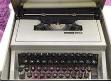 آلة كاتبه ايطاليه صنع 1960