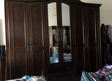 غرفة نوم ممتازة للبيع سعر قابل للتفاوض