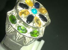 خاتم فضة مرصع بالأحجار الكريمة