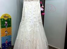 فستان فرح للبيع بسعر مغري