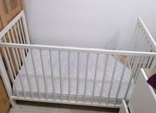 للبيع سرير أطفال