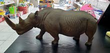 تحفة وحيد القرن منحوت باليد عالخشب