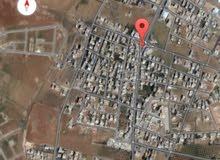للبيع ارض 914 تجاري محلي  في رجم الشامي