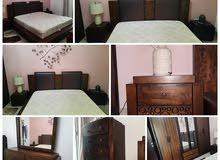غرفه نوم من الخشب الاصلي مكونه من 6 قطع مع مترس طبي