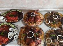 توجد لدنيا مناسف صواني دجاج ومطبك لحم درجه اولا دجاج ذبح
