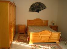 للايجار شقة مفروشة فاخرة متكونة من ثلاث غرف باليوم في تونس العاصمة