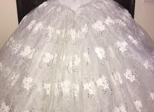 فستان عرس للبيع كالجديد
