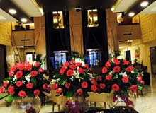 flower arenjment free home delivery