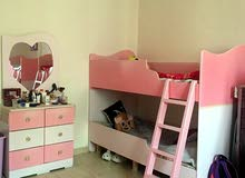 غرفة نوم اطفال سريرين دورين بحالة ممتازه وممكن البيع كل قطعه لوحدها