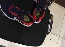 حذاء رياضي جديد لم يستعمل