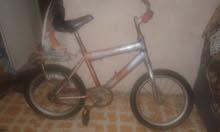 دراجه بحاله جيده تحتاج الي جنط