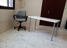 كرسي مكتب و طاولةIKEA حالة جيدةGOOD CONDITION