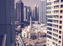 شقة في دبي المارينا بالاثاث
