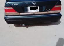 سيارة نوع مارسيدس شبح موديل 1995 اللون اسود كذاب نمرة انبار الماني