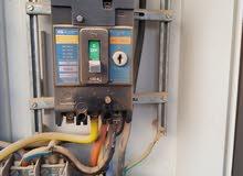 القيام بالصيانة و للاعمال الكهربائية