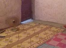 بيت تجاوز في القبله حي المهندسين نتكون من قرفتين وصاله وحوش وصحيات ومطبخ
