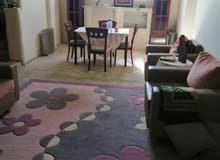 منزل سكني ممتاز ثلاثة طوابق نظام مفصول داخل المخطط في راس حسن