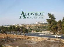 ارض للبيع في اجمل مناطق عرقوب خلدا المساحة 984 م