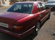 Maroon Mercedes Benz E 200 1993 for sale