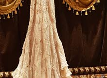 فستان زفاف + فستان ملكة لبس مره واحده