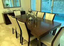 dining table without mirror and accessories
