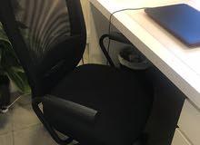 اثاث مكتبي بالدمام او الخبر شبه جديد وقليل الاستخدام للبيع