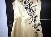 للبيع فستان سهرة مكون من قطعتين
