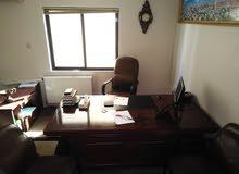 أثاث مكتب للبيع