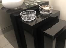 ثلاث طاولات
