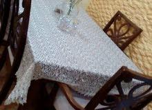 طاولة سفرة معها 5 كراسي خشب ممتاز بحال الجديد