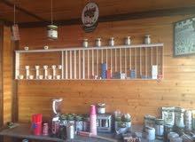 محل بيع مشروبات ساخنة وباردة وسناكات للبيع العاجل لعدم التفرغ المحل يعمل بشكل ممتاز