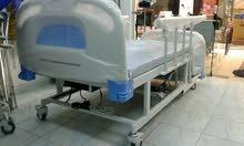 سرير طبي كهربائي 6 حركات مع تواليت مسترجع للبيع بسعر مغري