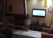 شقة طابق ثالث للبيع في الاردن - عمان - ام اذينة 300م