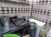 مطعم شعبي للبيع او للضمان في موقع مميز على الشارع الرئيسي في مدينة السلط