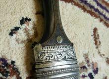 للبيع توجد خنجر تحفه جدا  خنجر اصيله خنجر عمانيه   بقرن زراف هندي  القرن وخالي م