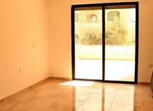 شقة للبيع في ضاحية الأمير علي مساحة 135 متر + روف مسور 125 متر