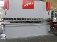آلة ثني المعادن الهیدرولیکیة CNC