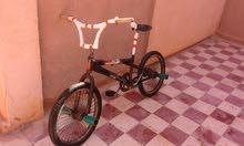 السلام وعليكم  عندي دراجة   BMX 20 للبيع مشالله  مستعجل