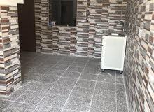 شقة للأيجار في حي الحسين مساحتها65م مربع غرفة وصاله