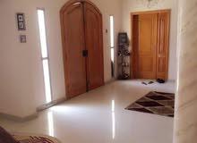 فيلا سكنية ممتازة دورين نظام خليجي مساحتها كبيرة في الدعوه الاسلاميه بالقرب من د