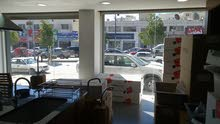 معرض ومحل تجاري للبيع في البيادر