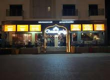 مطعم فخم وذات ديكور راقي ورائع على قارعة الطريق البحري 18 نوفمبر