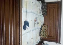 غرفة نوم + طقم كنبايات + خزانة للبيع
