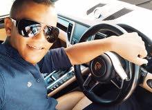 سائق خاص لأحد رجال الأعمال أو بإحدى الشركات أيضا سائق سيارة أجرة أو تاكسي أو حافلة .