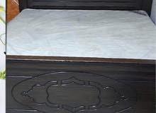 سرير خشب ممتاز جدا 200. 200 مترس جديد