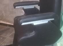 كرسي حلاق للبيع بحاله ممتازه