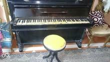 بيانو اسود انتيك صناعه فرنسي سنه 1855